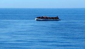 Akdeniz'de 250 göçmen kayboldu