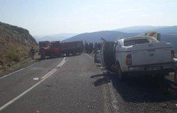 Trabzon plakalı araç kaza yaptı - 4 yaralı