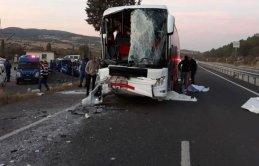 Otobüs kazası: 1 ölü, 26 yaralı