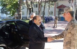 Yeni Trabzon Valisi Bitlis'e veda ediyor