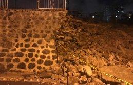 Samsun'da istinat duvarı çöktü!