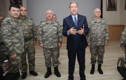 Bakan Akar ve Genelkurmay Başkanı Suriye sınırında!