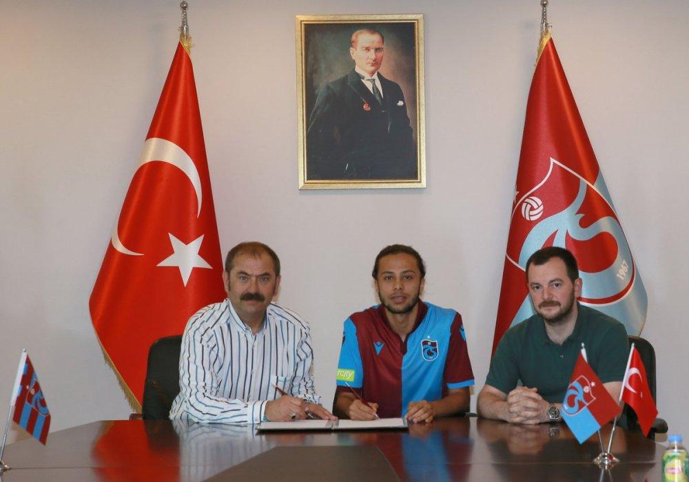 Taha Tunç Trabzonspor'a imzayı attı