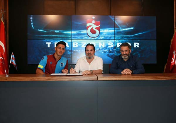 Trabzonspor Muhammet Akpınar'a imzayı attırdı