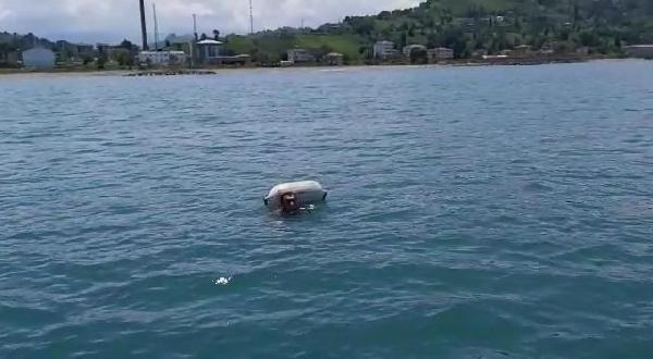 Trabzon Of'ta denizde mahsur kalanlar kurtarıldı!