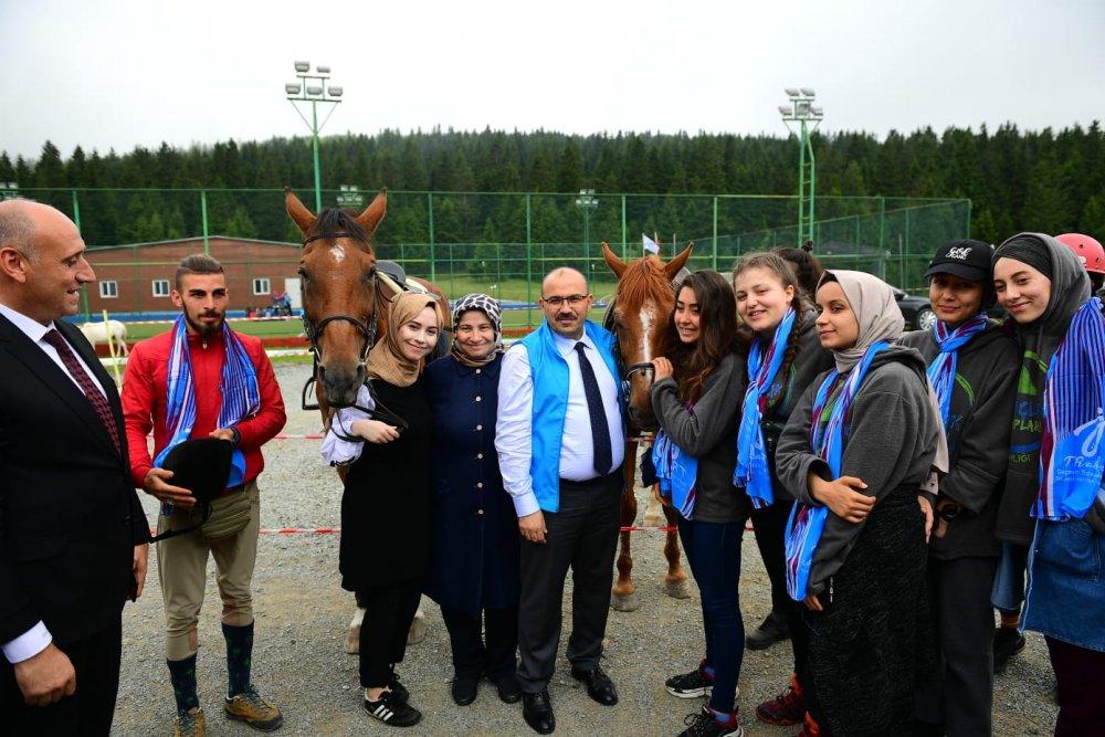 Vali Ustaoğlu Düzköy Doğa Gençlik Kampı'nda