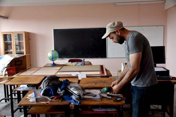 Trabzon'da mahalle sakinleri okulu yeni döneme hazırladı