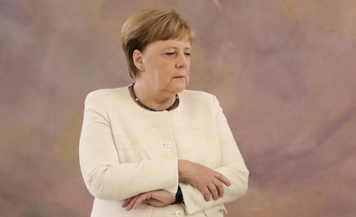 Merkel'in titreme nöbeti olay oldu? Angela Merkel'in hastalığı ne? Hipoglisemi hastası mı?