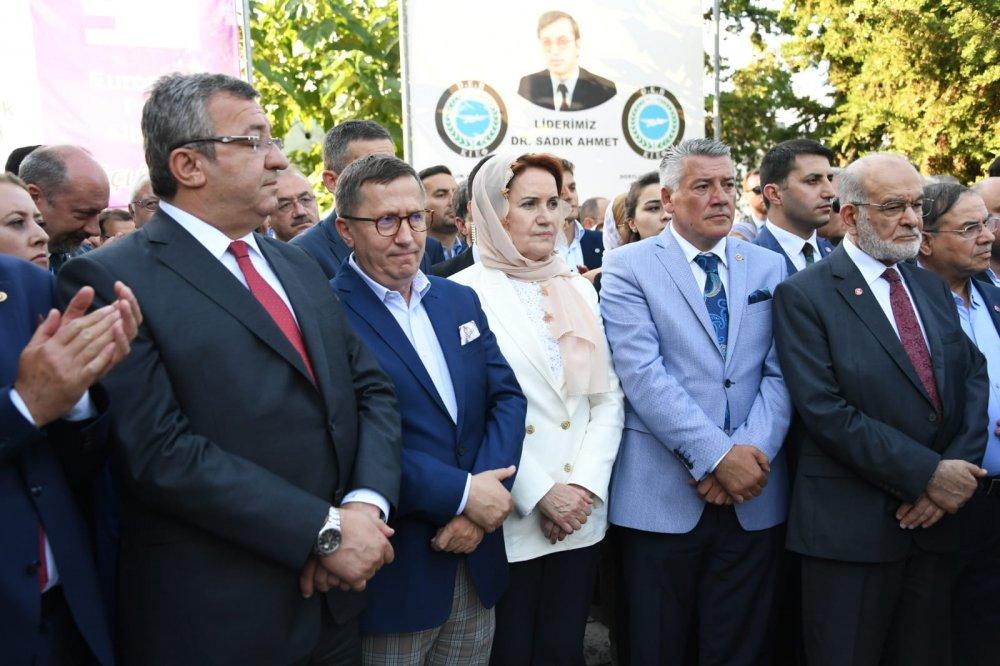 Akşener ve Örs, Sadık Ahmet'i anma töreninde