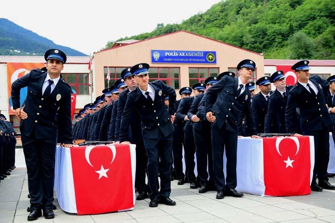 Trabzon'da yeni polisler mezun oldu
