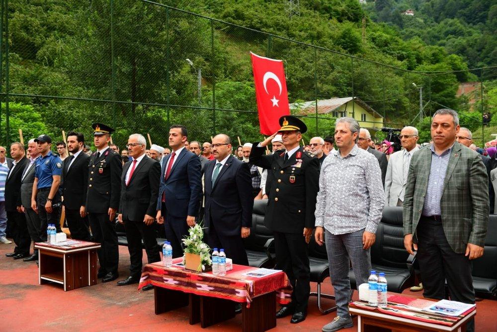 Beşköy'deki sel ve heyelanlarda hayatını kaybedenler anıldı.