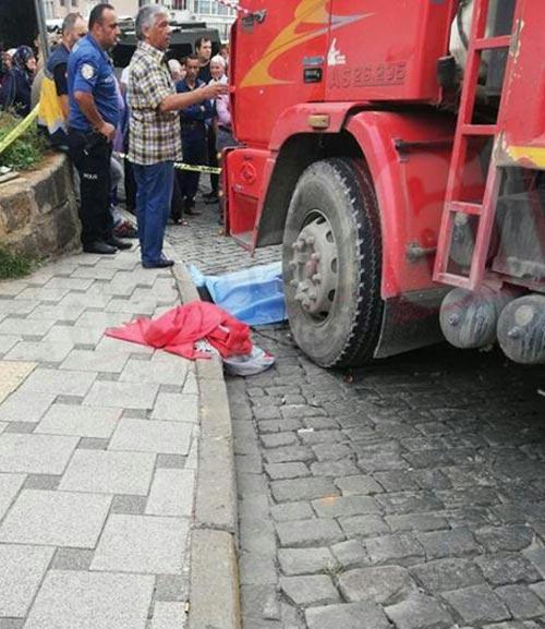 Trabzon'da kamyon bir kişiye çarptı