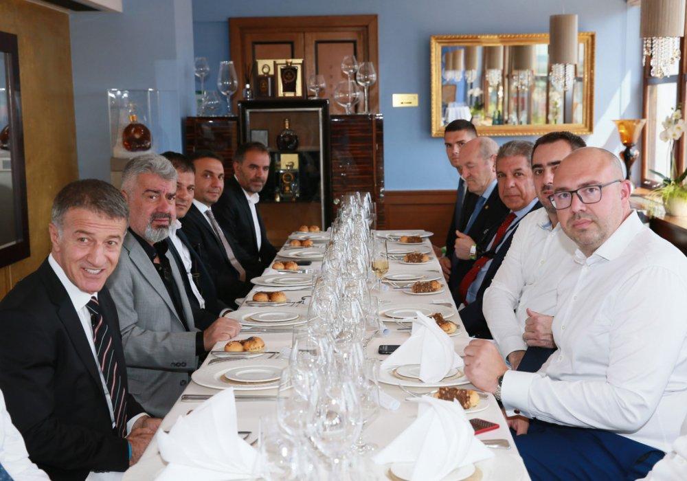 Sparta Prag Trabzonspor maçı öncesi dostluk yemeği