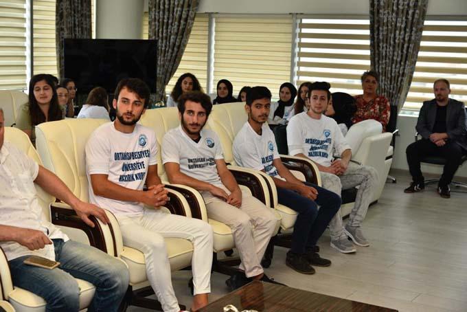 Üniversiteli öğrencilerden Genç'e ziyaret