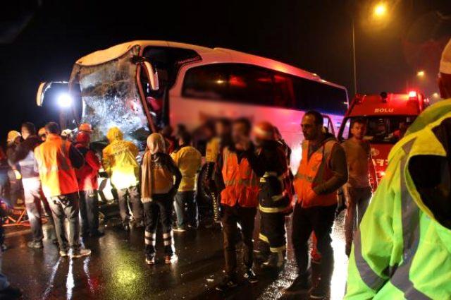 Yolcu otobüsü ile tır çarpıştı: 37 yaralı