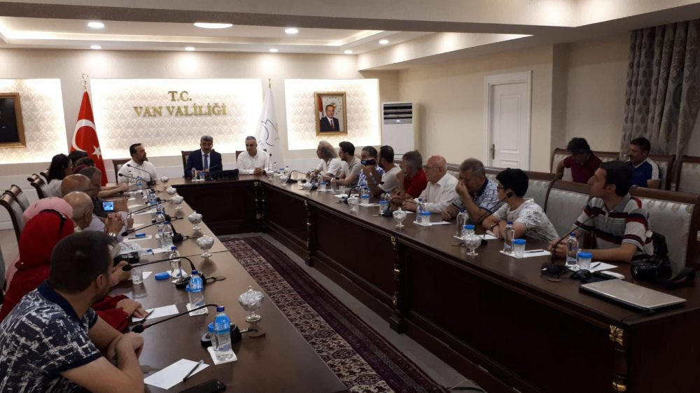 Trabzonlu gazetecilerden Vali Bilmez'e ziyaret