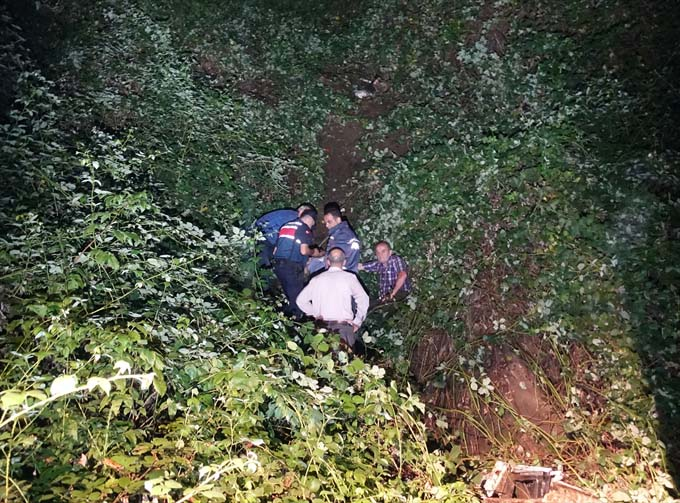 Kamyonet uçuruma yuvarlandı: 1 ölü