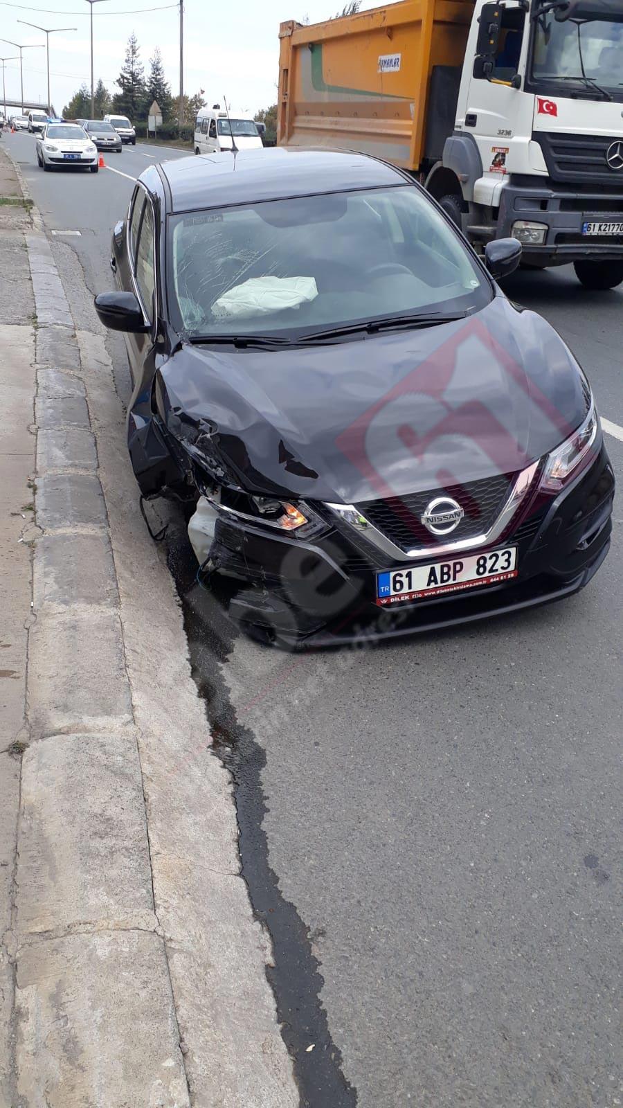 Trabzon'da kaza: lastiği koptu