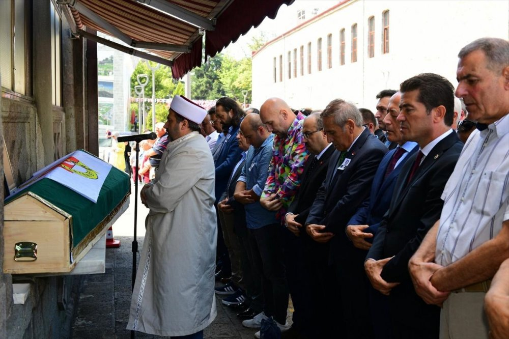 Ahmet Şefik Mollamahmetoğlu son yolculuğuna uğurlandı