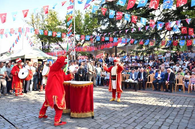 Trabzon'da 5 bin kişilik aşure dağıtıldı