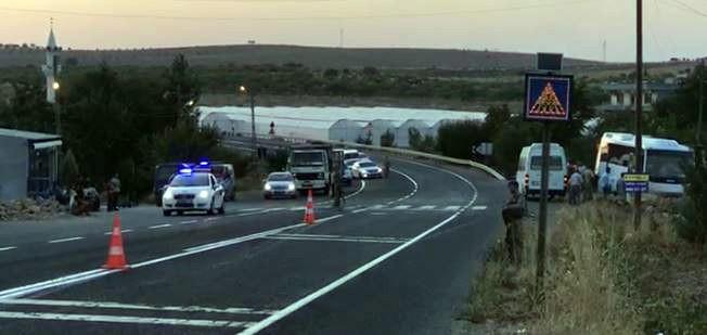 Jandarmaları taşıyan midibüsle TIR çarpıştı! 1 şehit 14 yaralı