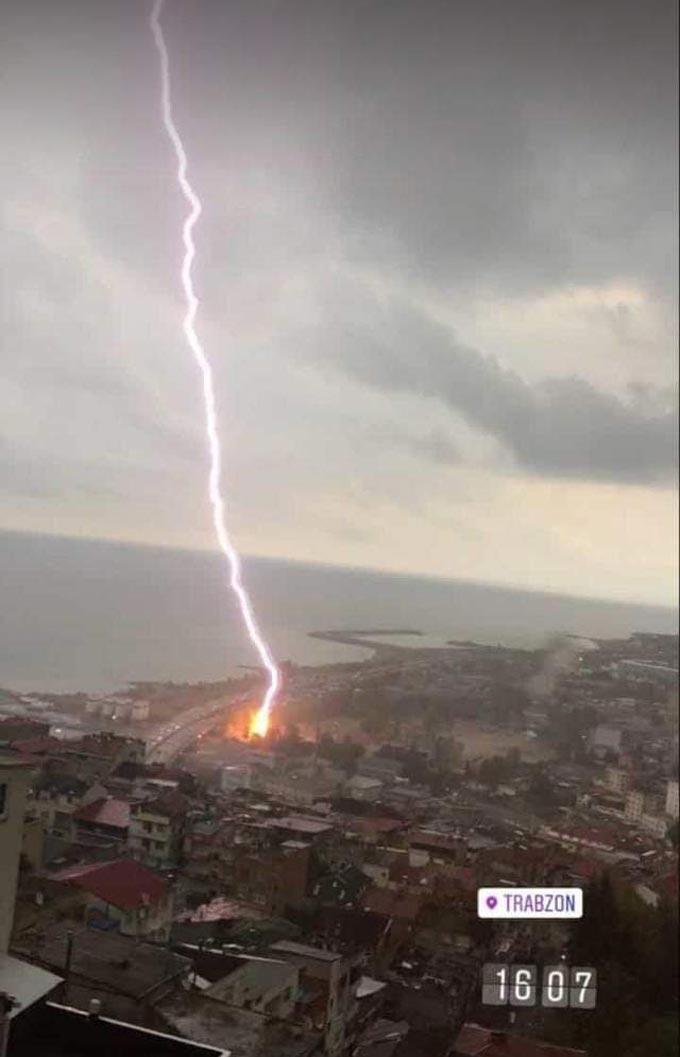 Trabzon'da korkutan görüntü! Adeta yeri deldi