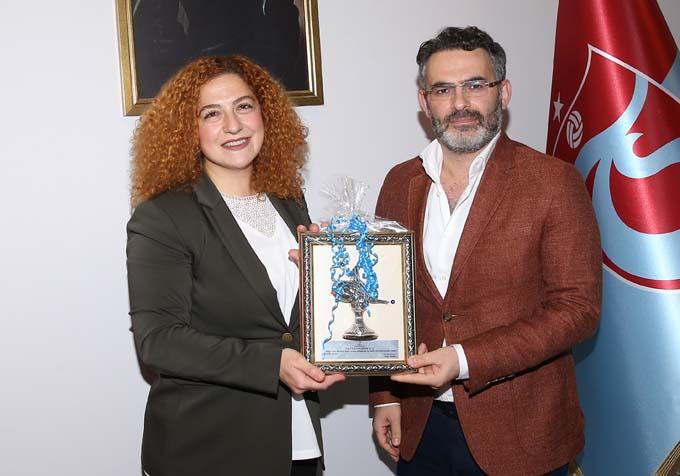 Kızılay'dan Trabzonspor'a ziyaret - 1967'nin üstüne çıktı