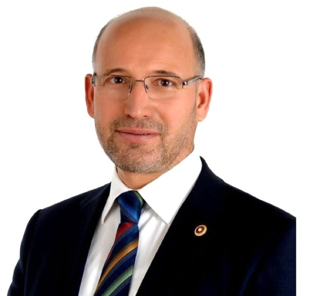 AK Parti'de Davutoğlu istifası