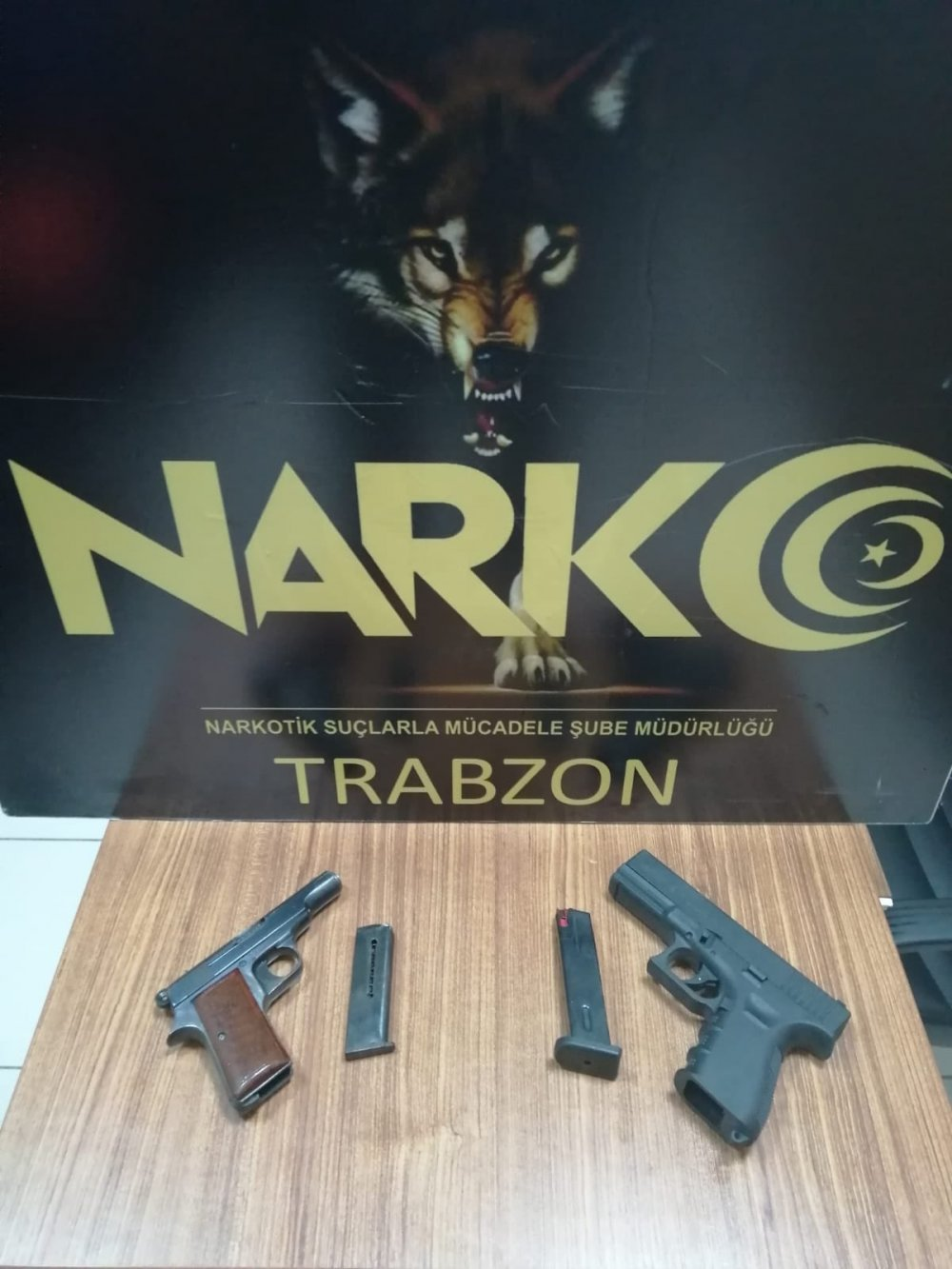 Trabzon'da 2 adrese baskın