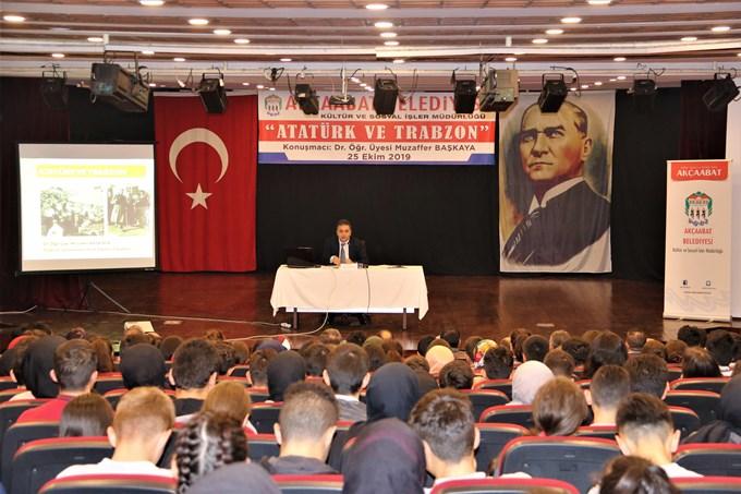 'Atatürk ve Trabzon' adlı konferans yapıldı