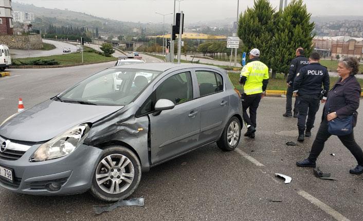 Samsun'da otomobiller çarpıştı