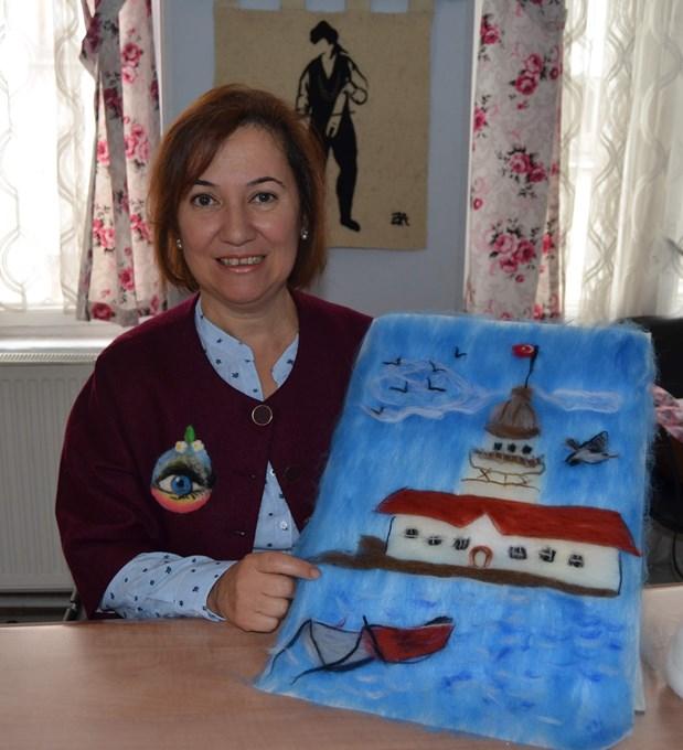 Trabzon'da Keçi ve koyun yünlerini sanata dönüştürüyor