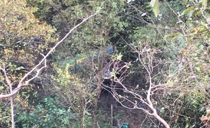 Kamyon 150 metrelik uçuruma yuvarlandı!