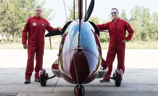 KKTC'de eğitim uçağı düştü
