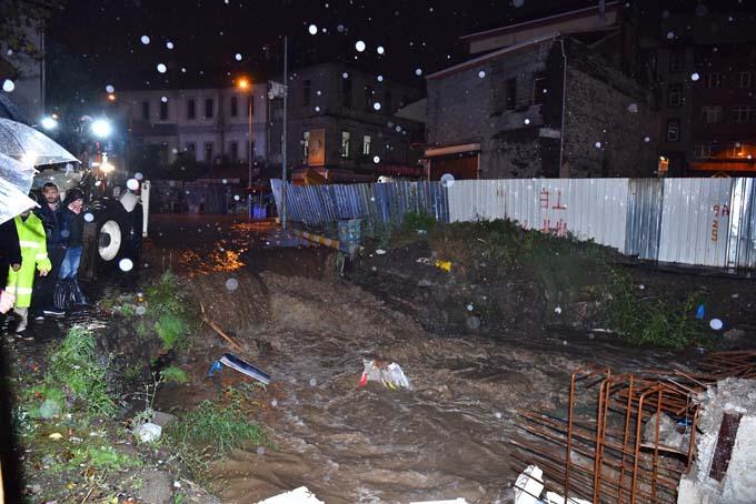 Trabzon'da şiddetli yağış sonrası ekipler teyakkuzda