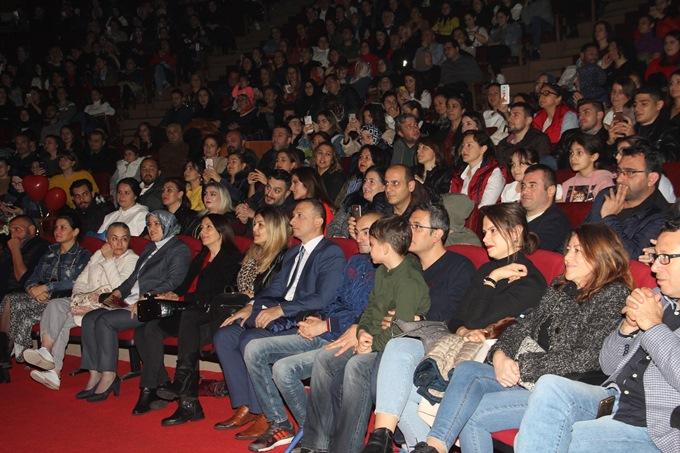 """Oy Asiyem Oy"" Trabzonluları coşturdu"