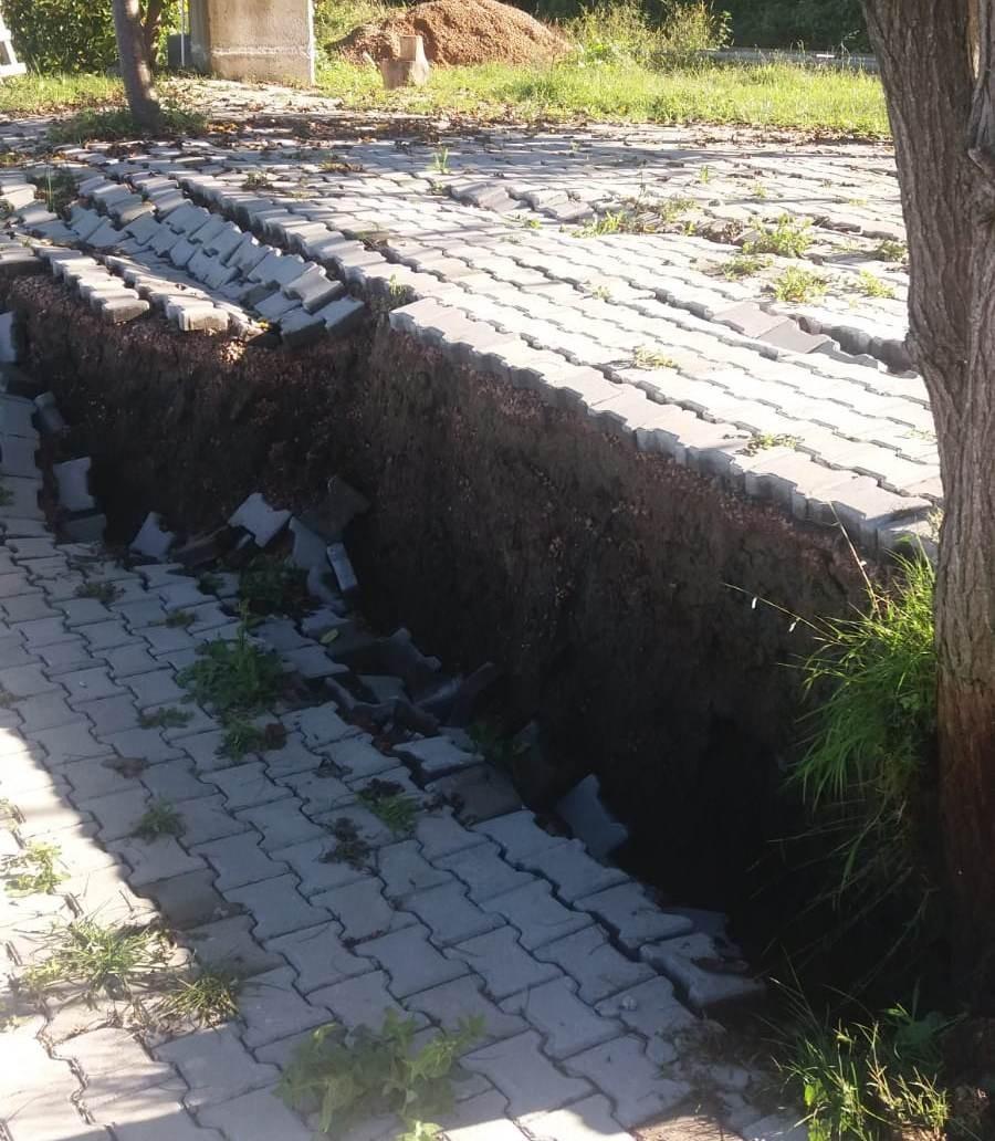 Toprak kayması - 1 iş yeri boşaltıldı