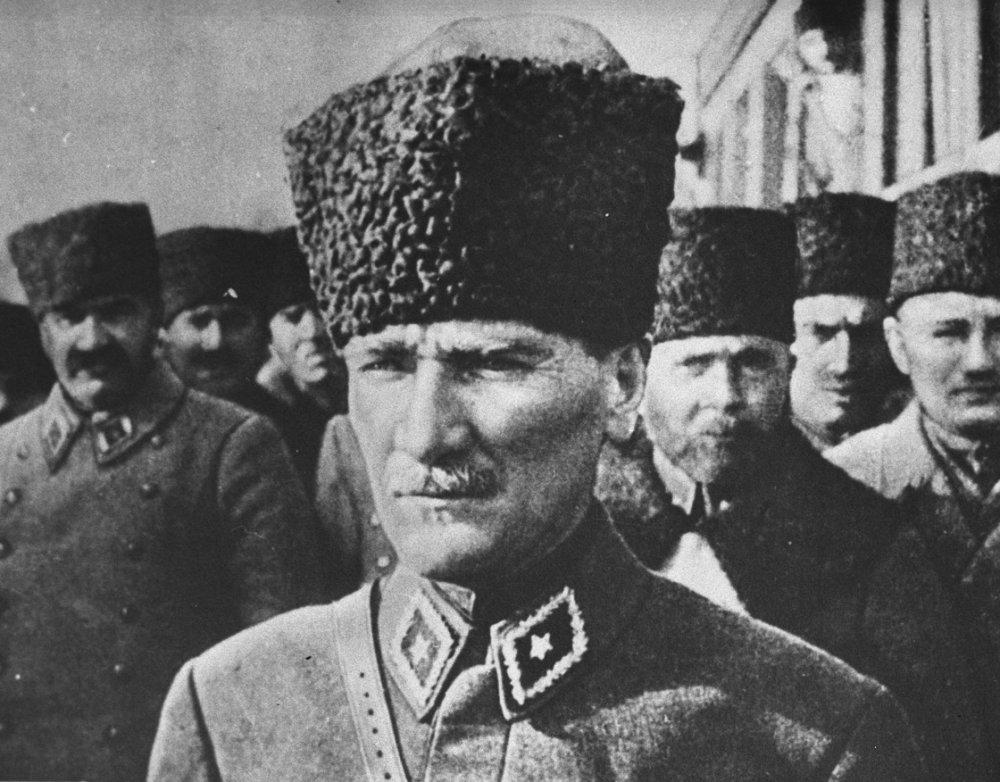 Ulu Önder Atatürk 81 yıldır özlemle anılıyor