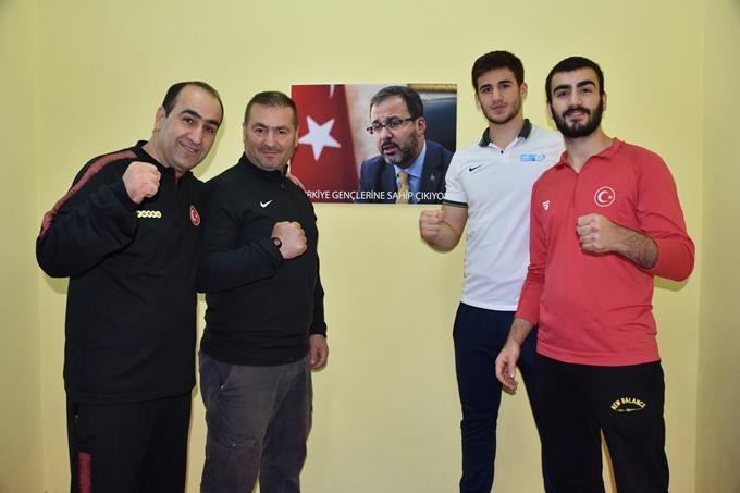 Trabzon'da gençler boksa ilgi gösteriyor