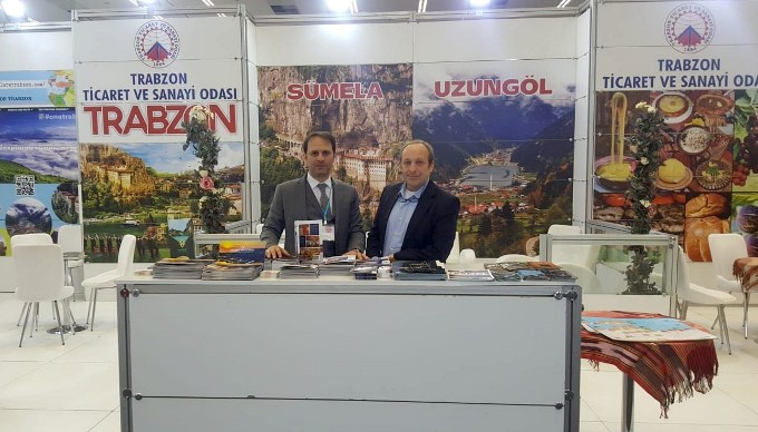 Trabzon'da tenis turnuvası nefes kesti