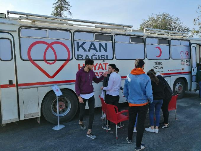 Büyükşehir Belediyesi öğrencilerinden anlamlı bağış