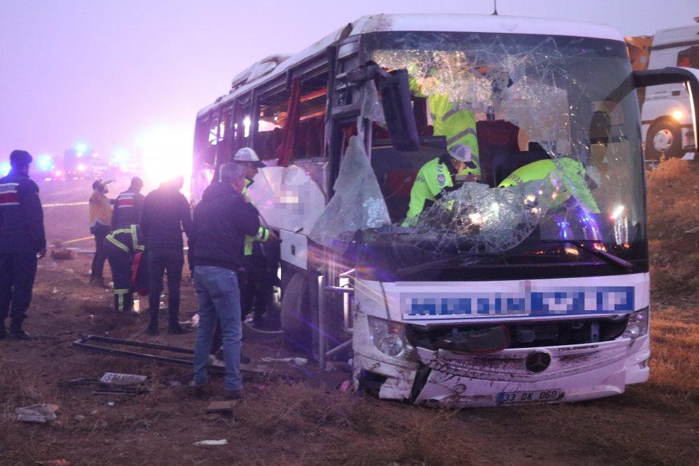 Yolcu otobüsü devrildi: 1 ölü, 51 yaralı