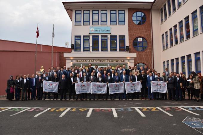 Ortahisar'da 169 okula beyaz bayrak