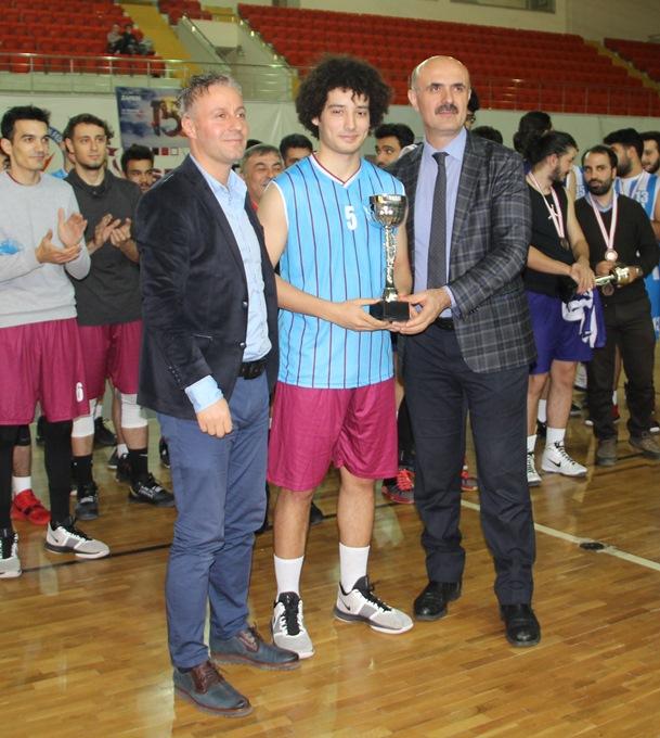 Trabzon'da şampiyon Trabzon yurdu