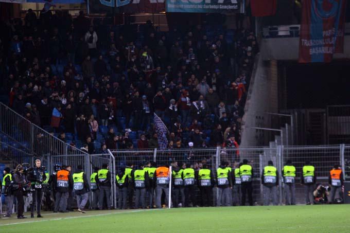 Basel Trabzonspor maçında gerginlik