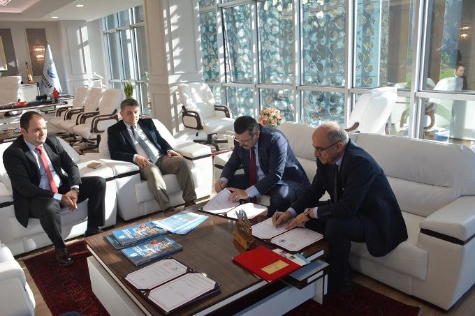 Trabzon Süper Lig'de - Milli Eğitim ile Ortahisar arasında imzalar atıldı