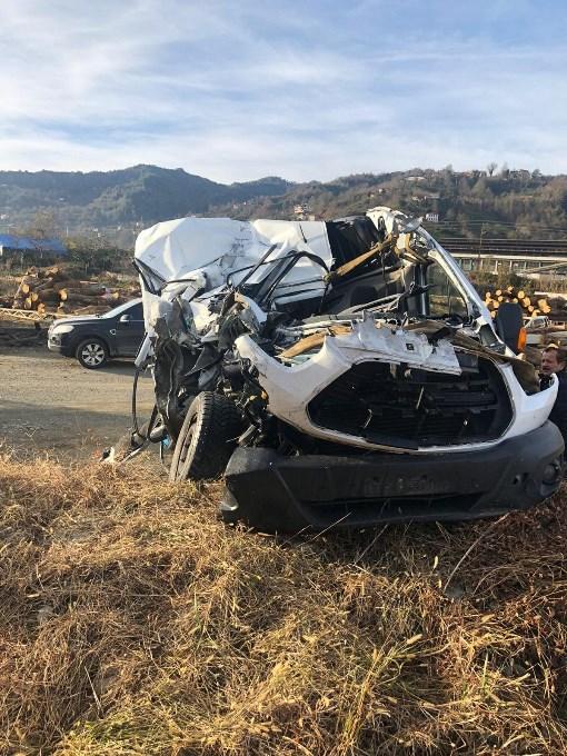 Artvin'de trafik kazası: 1 ölü 1 yaralı