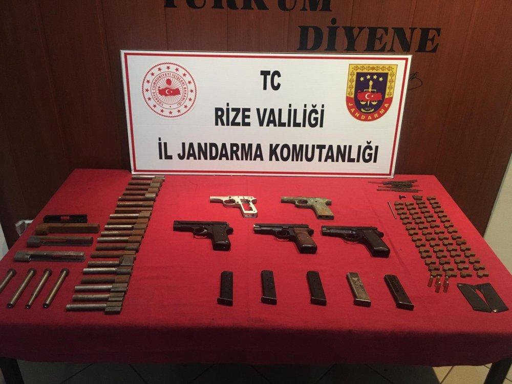 Rize'de ruhsatsız silah atölyesine operasyon: 3 gözaltı