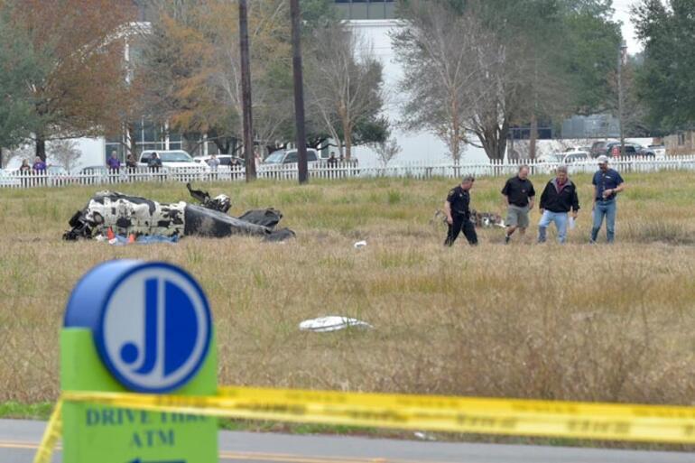 Küçük uçak düştü: 5 ölü, 1 yaralı