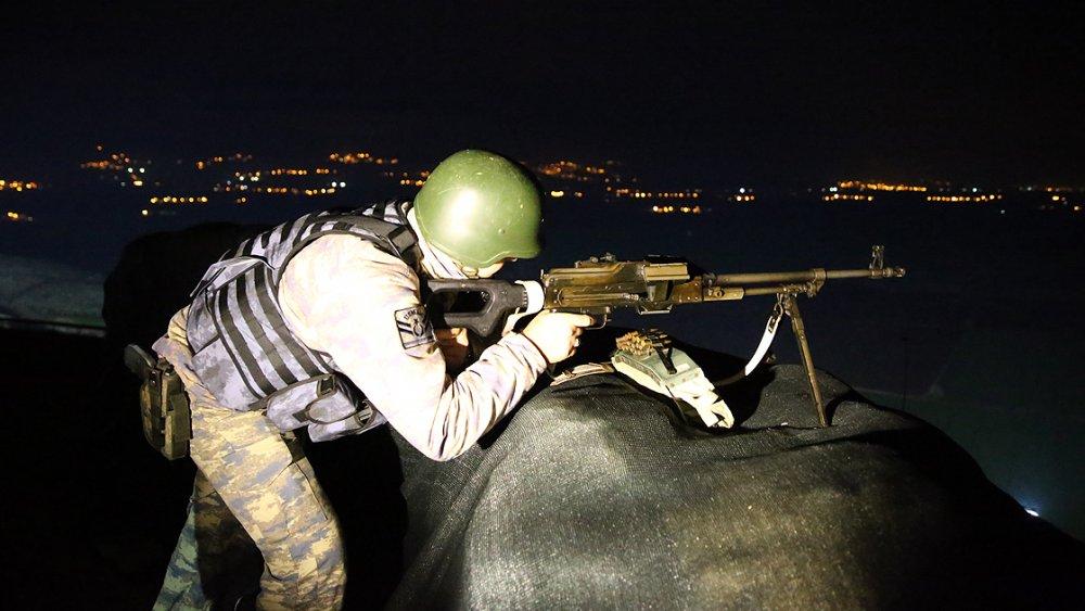 Suriye sınırındaki Mehmetçik yeni yılı nöbette karşıladı